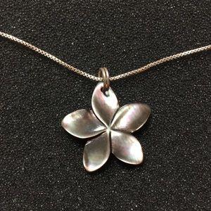 Jewelry - PLUMERIA HAWAIIAN SHELL FLOWER NECKLACE